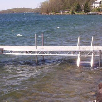 Ridgeline light weight dock with ladder